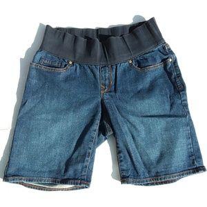 Gap maternity denim shorts size 26 / 2